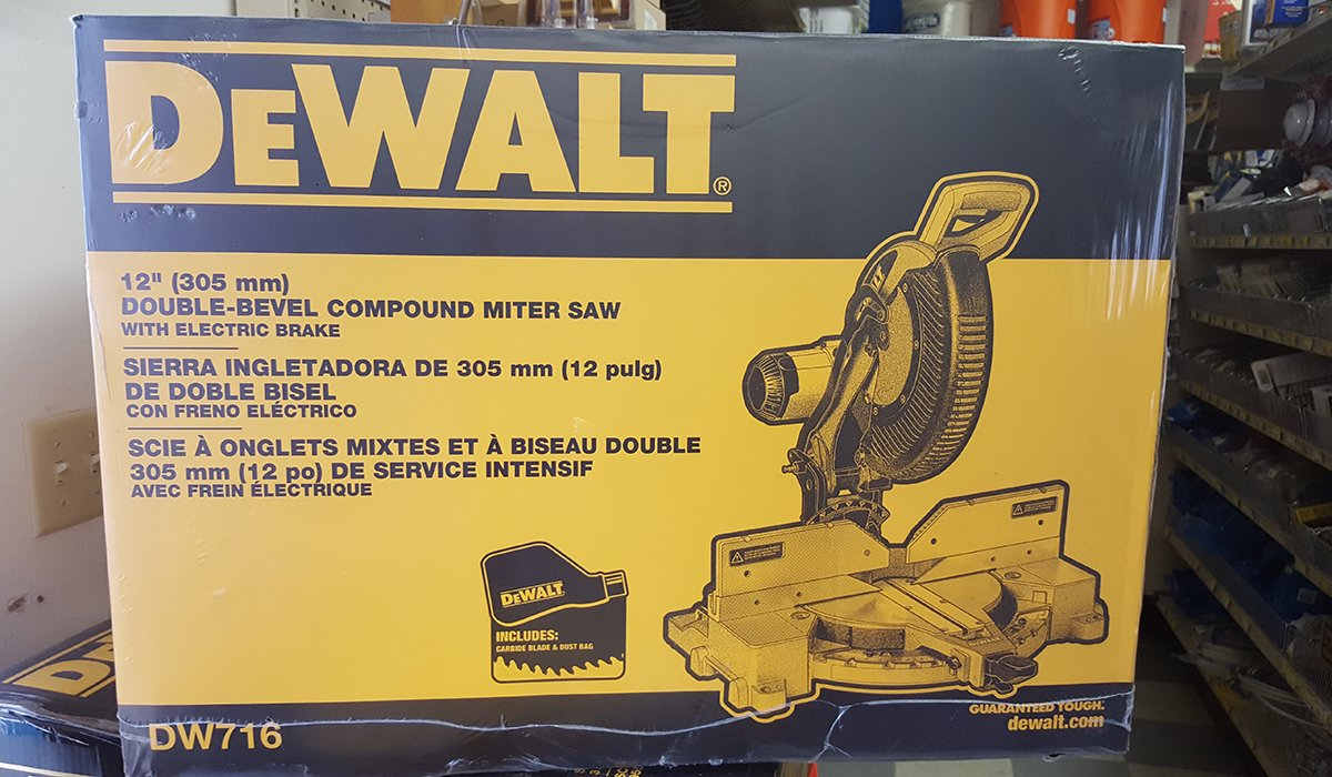 DeWalt Double-Bevel Compound Miter Saw in the Box